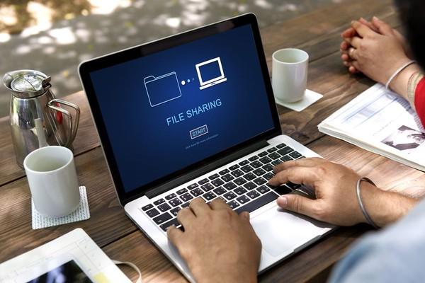 Layanan Website Berbagi File